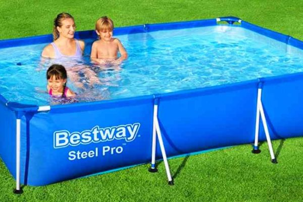 Bestway Steel Pro Frame Pool im Garten
